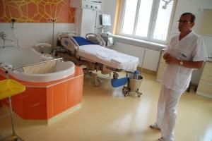 Porodnice Kladno porodní box s hydromasážní vanou